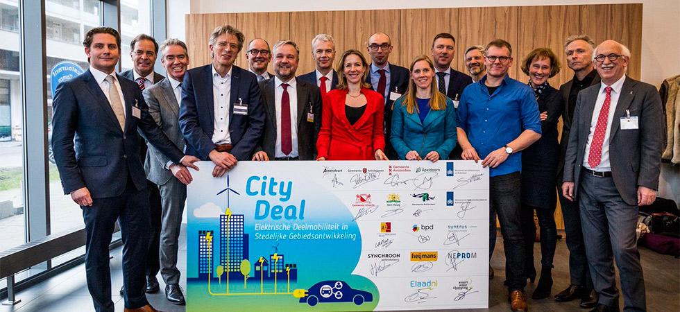 City Deal / Doorbraak voor elektrische deelauto's in woningbouwprojecten