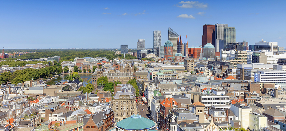 Sterke groei buitenlandse bedrijven in Zuid-Holland / Skyline Den Haag