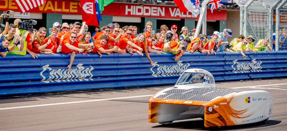 Nuon Solar Team wins 14th Bridgestone World Solar Challenge
