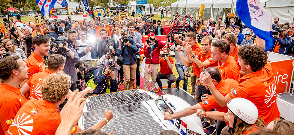 The Nuon Solar Team wins 14th edition of the Bridgestone World Solar Challenge, the worldchampionship solar car racing in Australia.