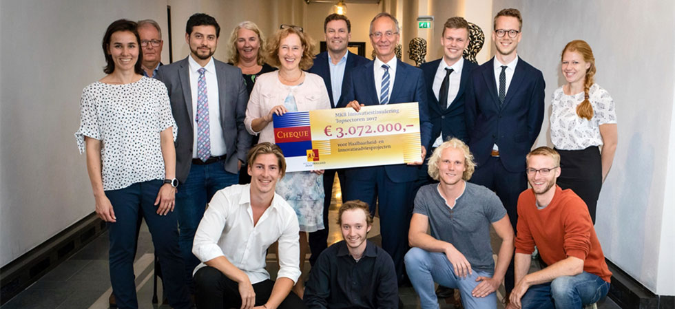 Bekendmaking MIT-subsidies Zuid-Holland door Henk Kamp en Adri Bom-Lemstra